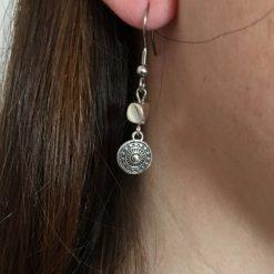 Boucle d'oreille femme en métal argenté